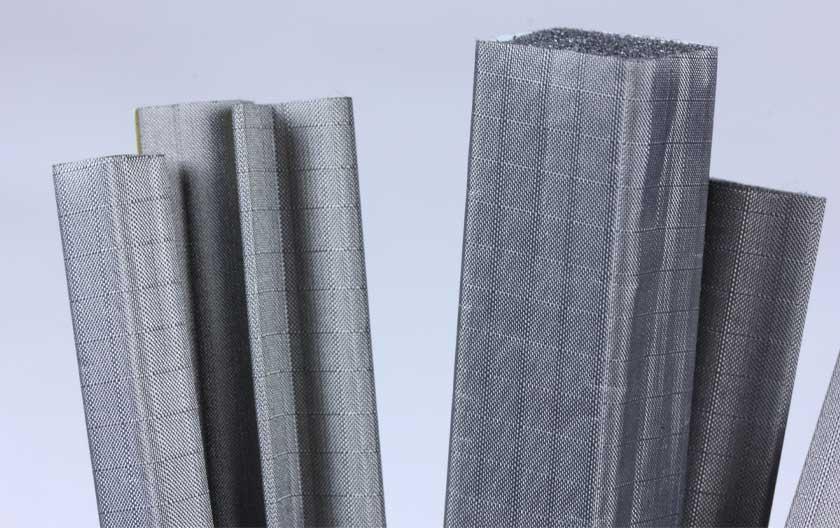 Schaumdichtungen mit leitfähigem Textilmantel